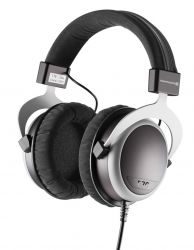 - Beyerdynamic T70
