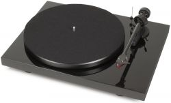 - Pro-Ject Debut Carbon (DC) 2M Red